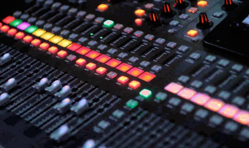 Curso de efeitos e equalização na DJ Pro BH